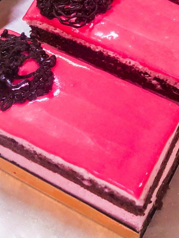 Pastel fresa y chocolate