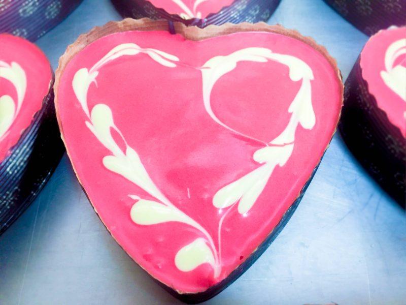 Corazón de bizcocho y chocolate para San Valentín